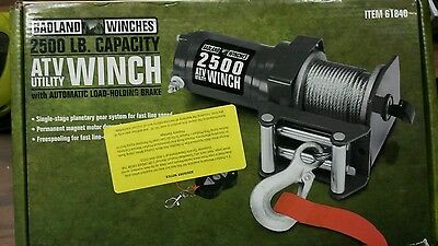 2,500 lb Electric Winch with remote