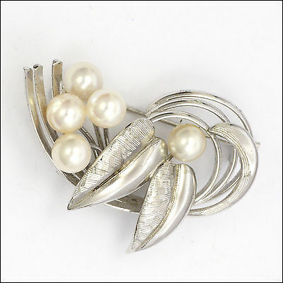 Vintage Sterling Silver Mikimoto Style Cultured Pearl Leaf Brooch
