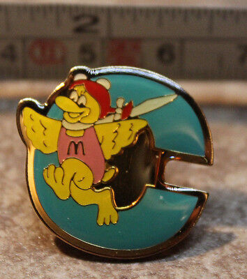 McDonalds Birdie Early Letter C Alphabet Collectible Pinback Pin Button 2000