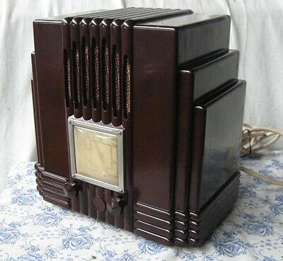Awa Empire State Radio Brown Bakelite, The Fisk Radiolette C1930'