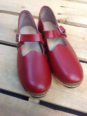M Pair Of Red Leather Traditional Hand Made Dancing Welsh Clogs VGC