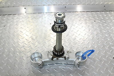 2007 Yamaha Yzfr1 Yzf R1 Front Forks Clamp Lower Triple Tree Stem