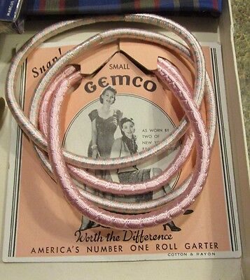 Vintage GEMCO small  roll pink garters unused on card, circa 1940's - LOT