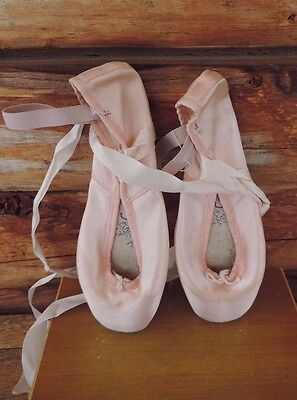 Chacoti Coppelia II Toe Point Ballet Shoes Size 41 DOLLAR DAYS!!!!!!