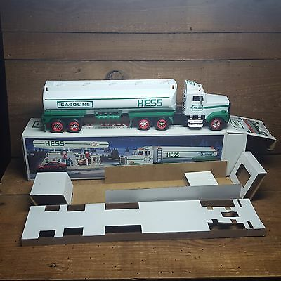 1990 Hess Tanker Truck`~New In Box~ Dual Sound Switch~Battery Tested~Super Nice