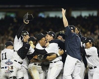 Size 8x10 New York Yankees 2009 World Series final out celebration 8x10 11x14 16x20 928