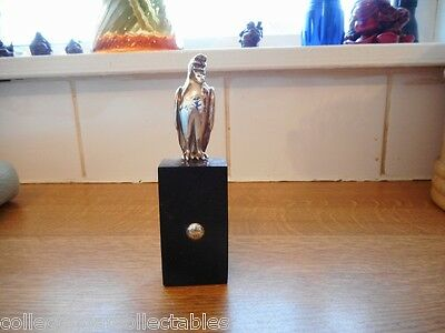 925 Sterling Silver Hawk On A Hard Wood Plinth With Silver Button Maker KR