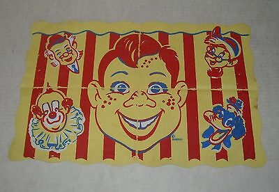 VINTAGE 1950's HOWDY DOODY VINYL PLACE MAT with CHARACTERS CLARABELLE the CLOWN