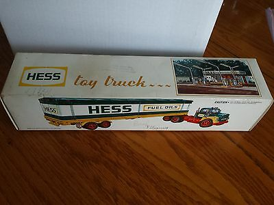 Hess 1976 Toy Box Trailer Truck