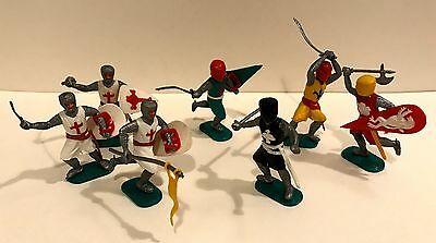 7 x Vintage Britains Timpo Medieval Knights Plastic Toy Soldiers