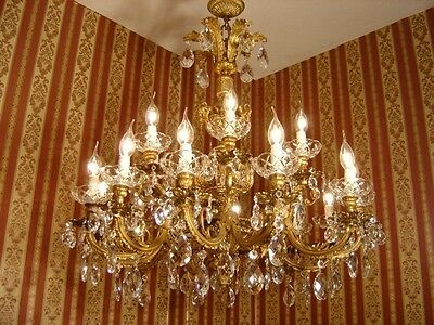 Beautiful 18 Light Brass French Chandelier Crystal Vintage Lamp