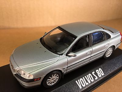 Volvo  S80   Dealer uitgave Minichamps  scale 1:43