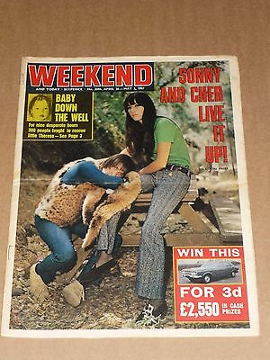 Weekend Magazine April 26 - May 2 1967 Sonny & Cher cover
