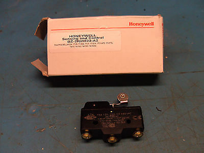 New Honeywell BZ-2RW822-A2 Single Pole Double Throw Lever Action Micro Switch