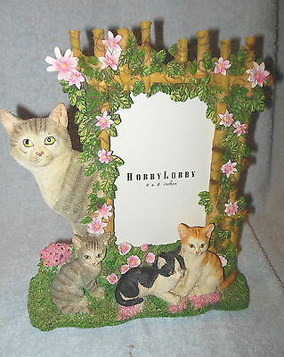 Beautiful Detailed Cat Lovers Resin 3-D Cats Kittens Photo Picture Frame