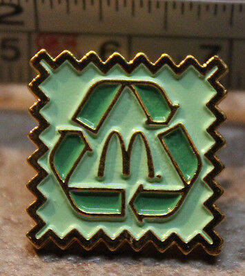 McDonalds Recycle Reduce Reuse Green Employee Collectible Pinback Pin Button