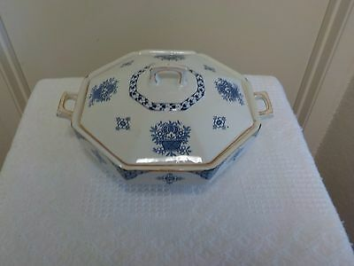 Vintage Woods And Sons England Woods Ware Blue Bombay  Covered Casserole