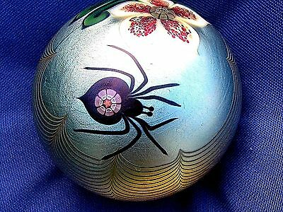 "Vtg. ORIENT AND FLUME SPIDER/FLOWER PAPERWEIGHT: Iridescent Gold  Base, 3"", 1978"