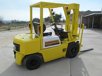 Kumatsu 5,000 lb. Forklift Completely Reconditioned