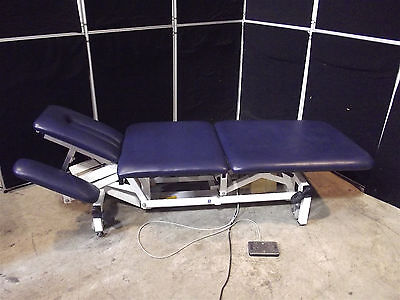 """Akron Physical Therapy Table Model 9232~Nice Condition~Height 18""""-36"""" ~ S2823"""