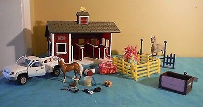 Breyer Stablemates Red Stable Farm Set + White Dually Truck + Horse + Pony
