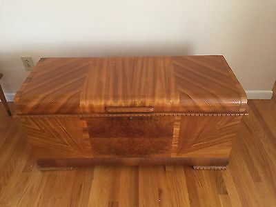Vintage Mid-Century Art Deco LANE Cedar Chest with Tray ***PICK UP ONLY!***