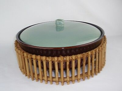 RED WING Village Green Large Casserole Dish Baker Bamboo Holder