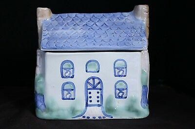 "Hadley Pottery House 8"" Display 2-Piece Figure"