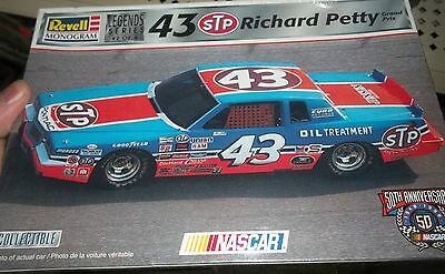 REVELL RICHARD PETTY GRAND PRIX STP 1/24 FS Model Car Mountain kit 1984 #43