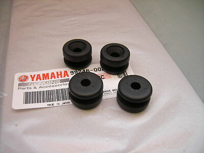 4x NEW MOUNTING RUBBER GROMMETS RIGHT SIDE COVER PANEL YAMAHA XT 250