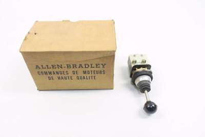 New Allen Bradley 800T-T2Mb21 600V-Ac 2-Way Joystick Toggle Switch D559177