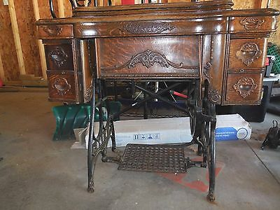Antique White Family Rotary Treadle Sewing Machine/Cabinet, 1900-11 Patent Plate