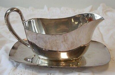 Reed & Barton Silverplate Gravy Boat with Underplate Embassy 1146