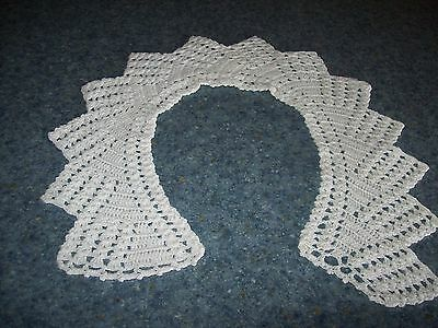 hand crocheted collar good condition white