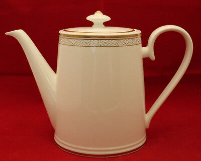 Villeroy and Boch Kimono Chateau Collection Bone China Coffee Pot Germany Gold