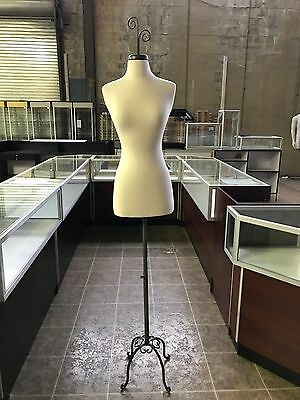 USED Female Size 2-4 Mannequin Display Dress Form #FWPW-4+BS-TYGRAY+CAP-CURLGY