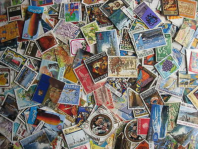 NEW ZEALAND excellent mixture (duplicates,mixed cond) 1000 laid out 76% commems