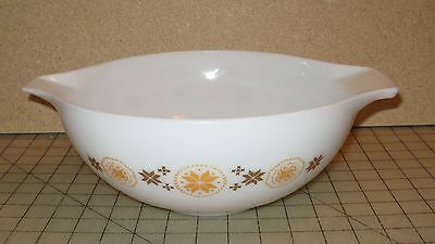 "Vintage Town & Country Design Large 4 Quart #444 White Used 10"" Mixing Bowl"
