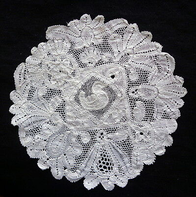 Antique Handmade BRUSSELS BOBBIN LACE Doily With Duck!  Lovely Belgian Lace Mat