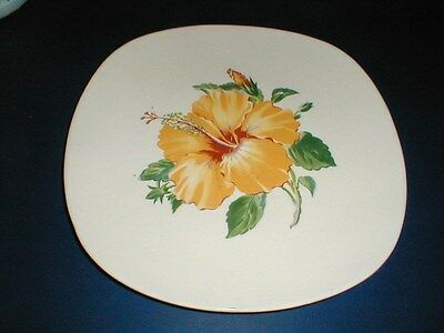Harmony House/Sears/Poinciana YELLOW HIBISCUS & BUD Dinner Plate (loc-H1)