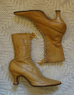 Antique Victorian Edwardian Golden Brown Leather Lace Up Granny Boots 7-7.5