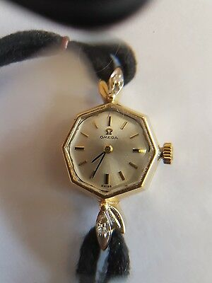 Beautiful Vintage 14Ct Yellow Gold Diamond Elegant Omega Ladies Watch