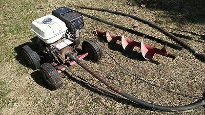 little beaver post hole digger 8hp Honda works good NEW PARTS