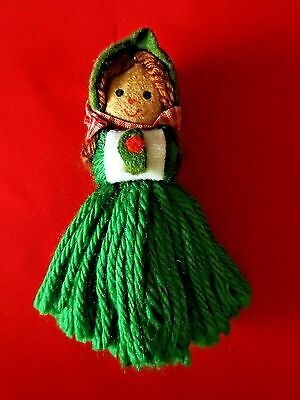 Hallmark Ornament 1975 Yarn Caroler Little Girl  Ornament