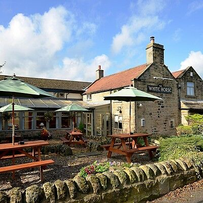 Hotel Voucher – Romantic Short Break Near the Peak District with Free Champagne!