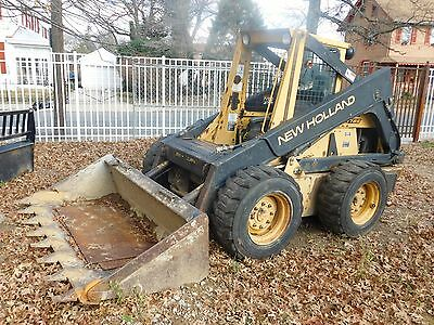 1987 New Holland Skid Steer L785