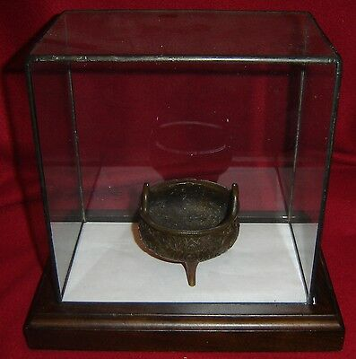 Antique Chinese Ming Emperor Xuande Lotus Pattern Bronze Tripod Incense Furnace.