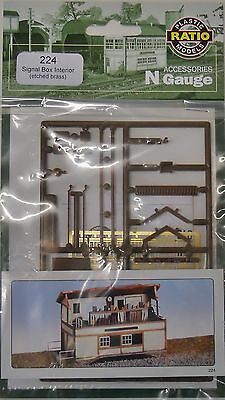 Ratio 224 Signal Box Interior (Plastic Kit) N Gauge Railway Model