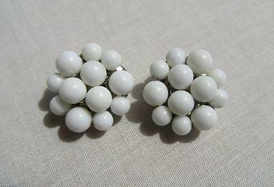 "Vintage Silvertone Round Chunky White Beaded Cluster ""hong Kong"" Clip Earrings~"