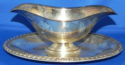 Vintage Wm Rogers Silver Plated Gravy/Sauce Boat w/Attached Under Tray